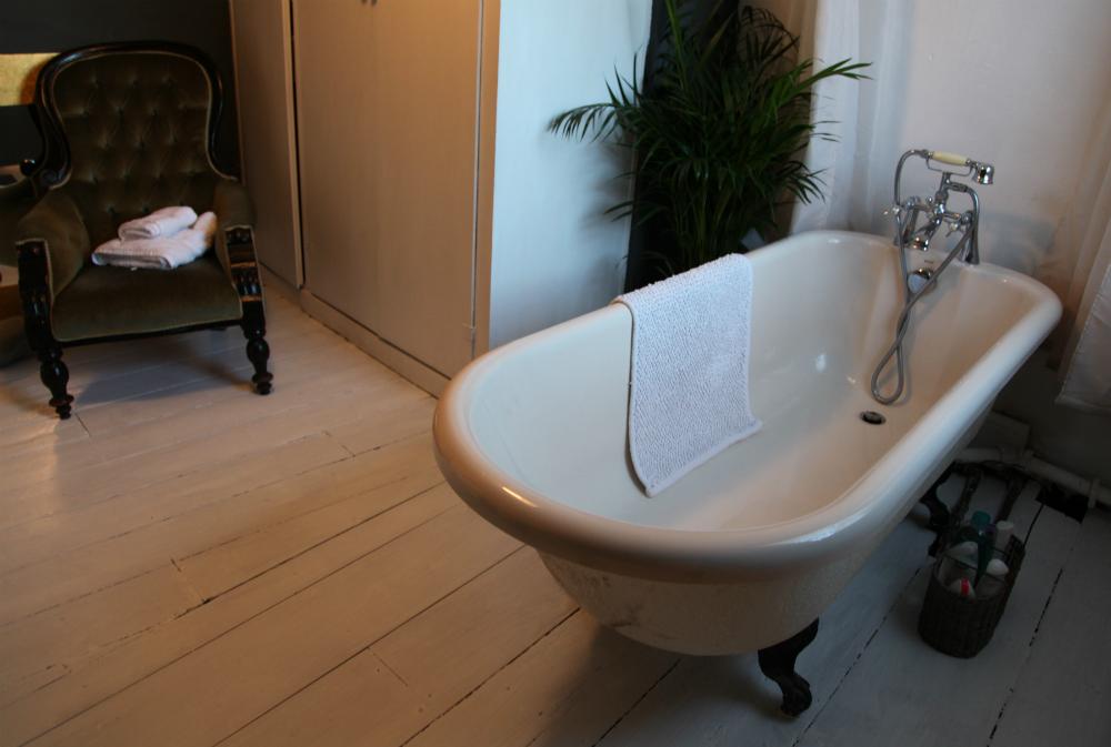 bathroom cropped